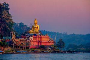 Amazing Thailand SA. Golden Triangle. Chiang Rai-Phra Phuttha Nawalantue